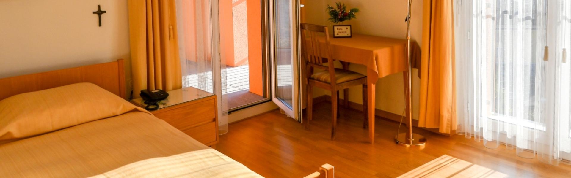 header_casasantabirgitta_guestroom_05